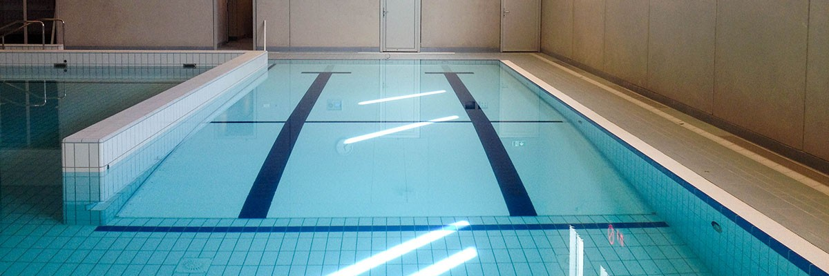 movable floor, beweegbare zwembadbodem, Variomedic beweegbare bodem, therapiezwembad, beweegbare vloer, verstelbare bodem zwembad